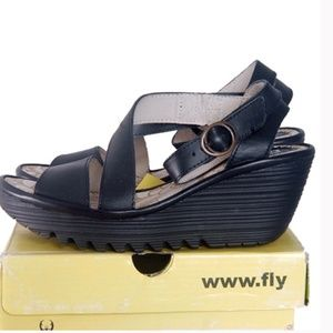 Fly London Yesk Wedge Pump